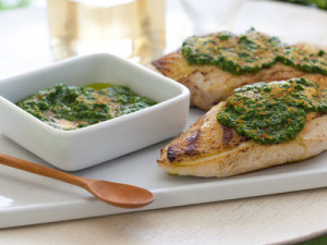 top-5-edible-flowers-recipes-chicken-pesto